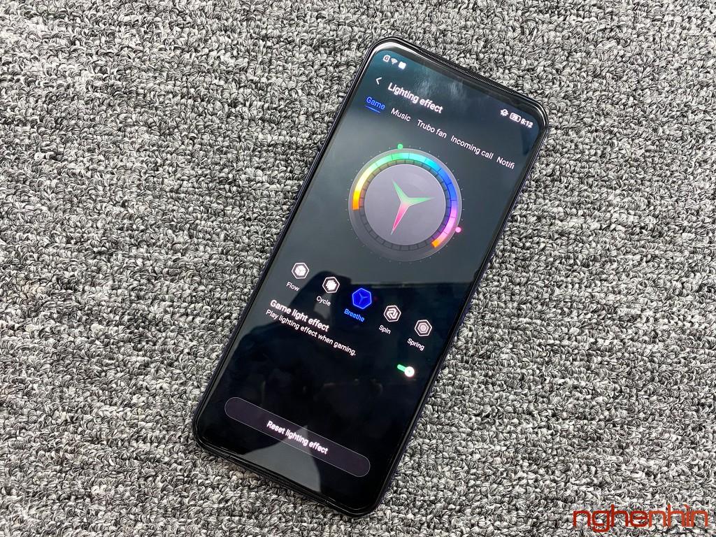 Trên tay Lenovo Legion Phone Duel 2: gaming phone thiết kế độc đáo nhất, giá từ 13.79 triệu đồng ảnh 4