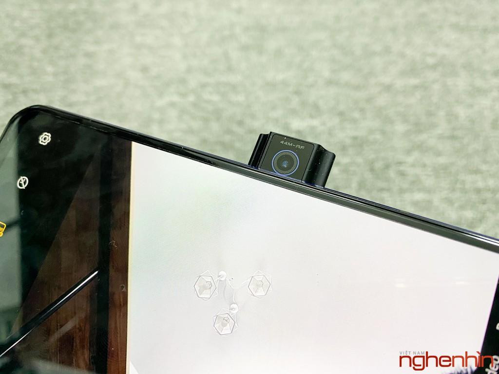 Trên tay Lenovo Legion Phone Duel 2: gaming phone thiết kế độc đáo nhất, giá từ 13.79 triệu đồng ảnh 8