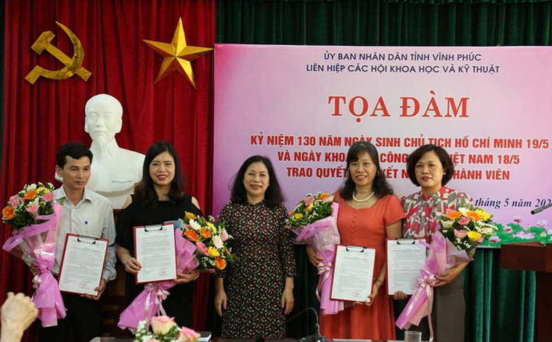 Vinh Phuc: Toa dam Ky niem ngay Khoa hoc cong nghe Viet Nam