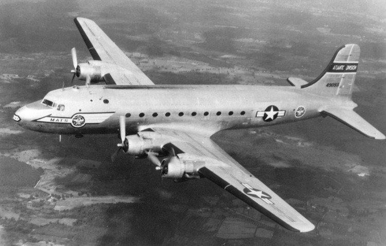 Chiếc máy bay vận tải quân sự Douglas C-54D mất tích của Không quân Lục quân Mỹ.