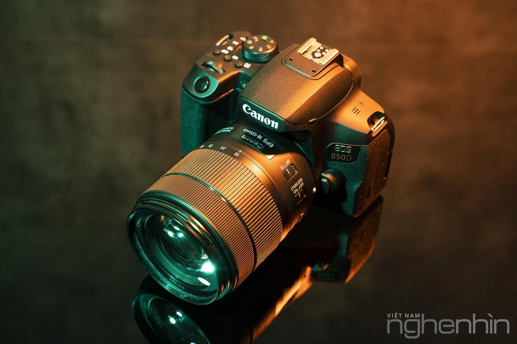 """Trải nghiệm & Đánh giá Canon EOS 850D - DSLR """"nhập môn"""" xứng đáng cho người yêu nhiếp ảnh ảnh 1"""
