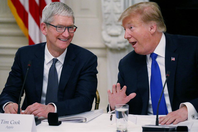 tim cook an toi cung ong trump, xin duoc giam thue hinh anh 2