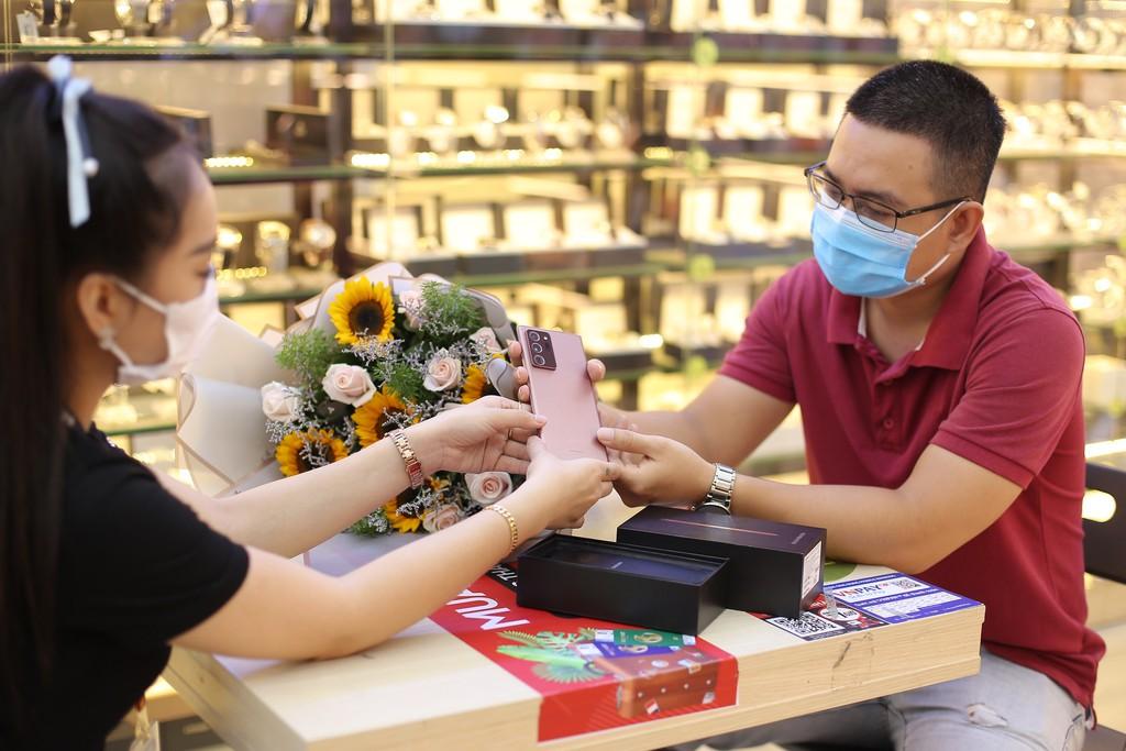 Những người sở hữu Galaxy Note20 series đầu tiên ở Việt Nam đã nói gì ? ảnh 3