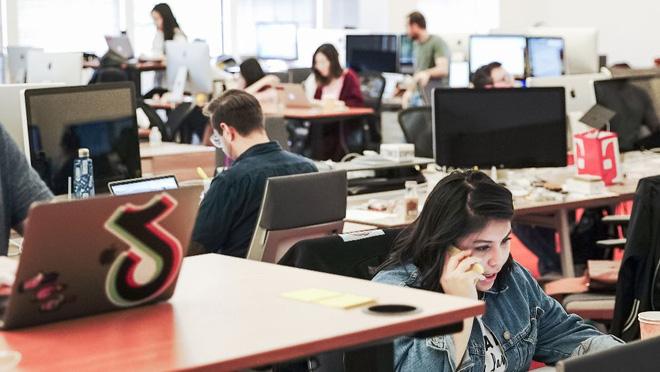 Nhân viên TikTok lên kế hoạch kiện Chính phủ Mỹ vì đã khiến 15.000 người có nguy cơ mất việc! - Ảnh 2.