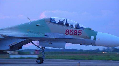 Tiêm kích Su-30Mk2 số hiệu 8585 trước khi gặp nạn.