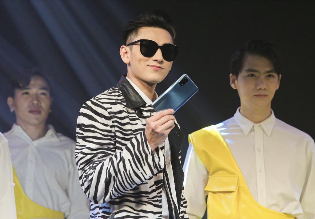 Realme 7 và 7 Pro ra mắt thị trường Việt giá từ 7 triệu kèm quà tặng tai nghe Buds Q giá 1,3 triệu ảnh 4