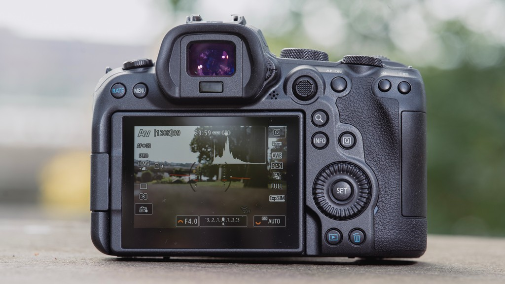 Canon EOS R6, máy ảnh không gương lật tốt nhất của Canon ? ảnh 3