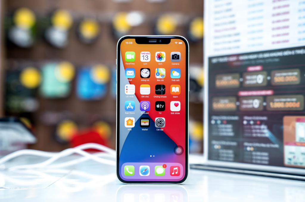 iPhone 12 và 12 mini chính hãng giảm 4 triệu, người mua tranh thủ khuyến mại ảnh 2