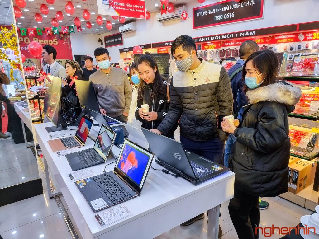 FPT Shop khai trương 68 Trung tâm trải nghiệm laptop, mở bán Surface Pro 7 siêu bảo hành ảnh 3
