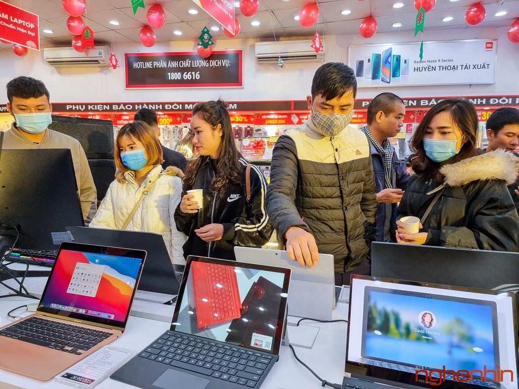 FPT Shop khai trương 68 Trung tâm trải nghiệm laptop, mở bán Surface Pro 7 siêu bảo hành ảnh 4
