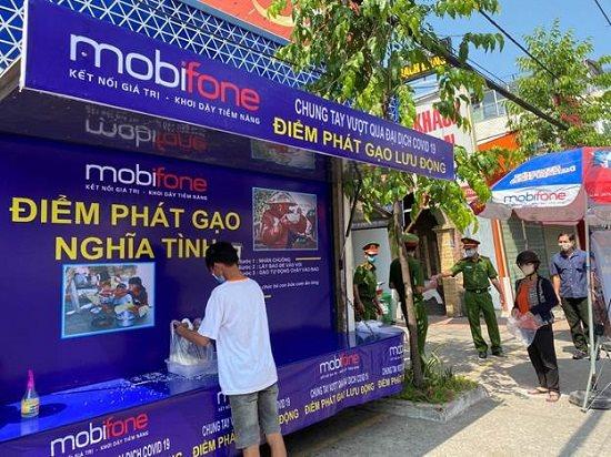 MobiFone góp hạt gạo nghĩa tình vượt qua mùa dịch