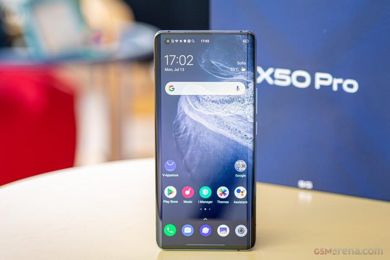Smartphone 5G, camera sieu chat giam gia 2 trieu o Viet Nam-Hinh-2