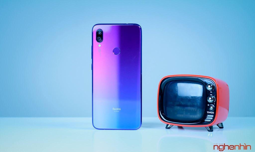 Những smartphone phong cách để diện đi chơi Tết ảnh 12