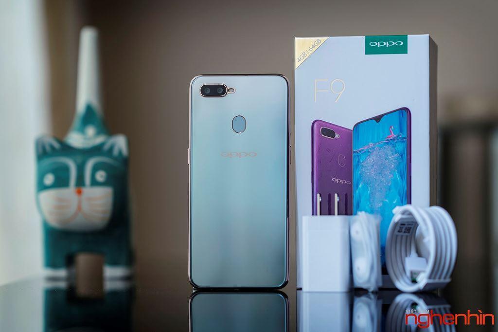 Những smartphone phong cách để diện đi chơi Tết ảnh 5