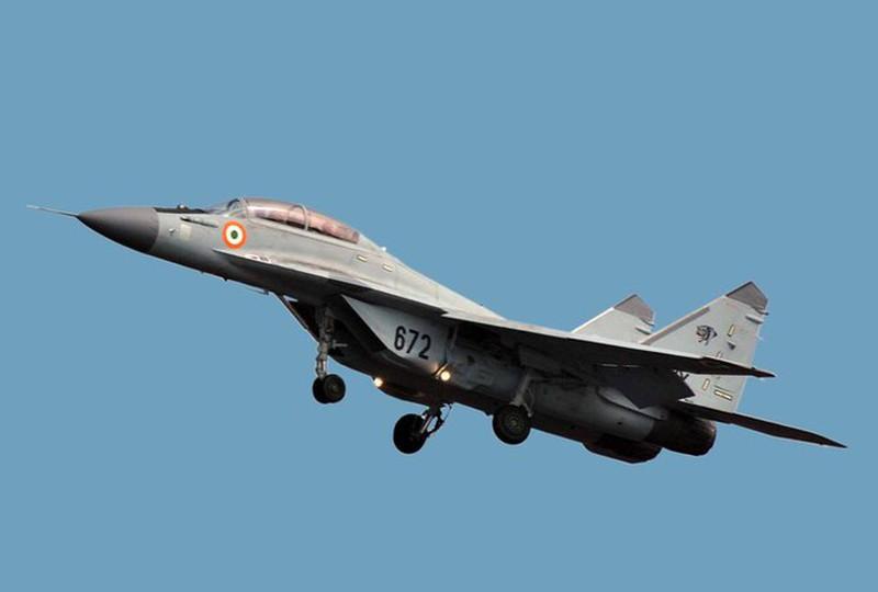 Tiem kich MiG-29K cua Hai quan An Do lai roi, phi cong thoat chet