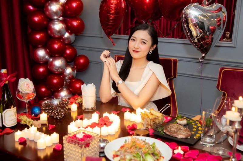 Nu MC hot nhat Lien Quan Mobile bi don yeu Pho Giam doc Garena-Hinh-5