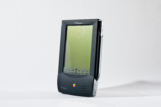 ARM là công ty Anh, sao phải nghe lời Mỹ nghỉ chơi với Huawei? Chỉ vì Apple cách đây 30 năm... - Ảnh 2.
