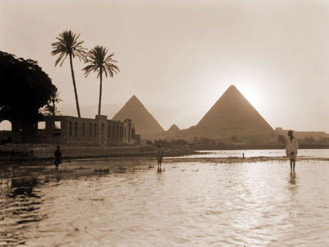 Thời cổ đại, người dân Ai Cập sống phụ thuộc vào nguồn phù sa từ những cơn lũ sông Nile.