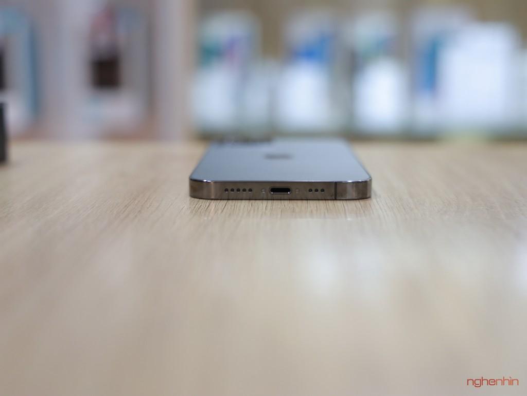Trên tay iPhone 12 Pro đầu tiên tại Việt Nam giá 27,45 triệu  ảnh 4