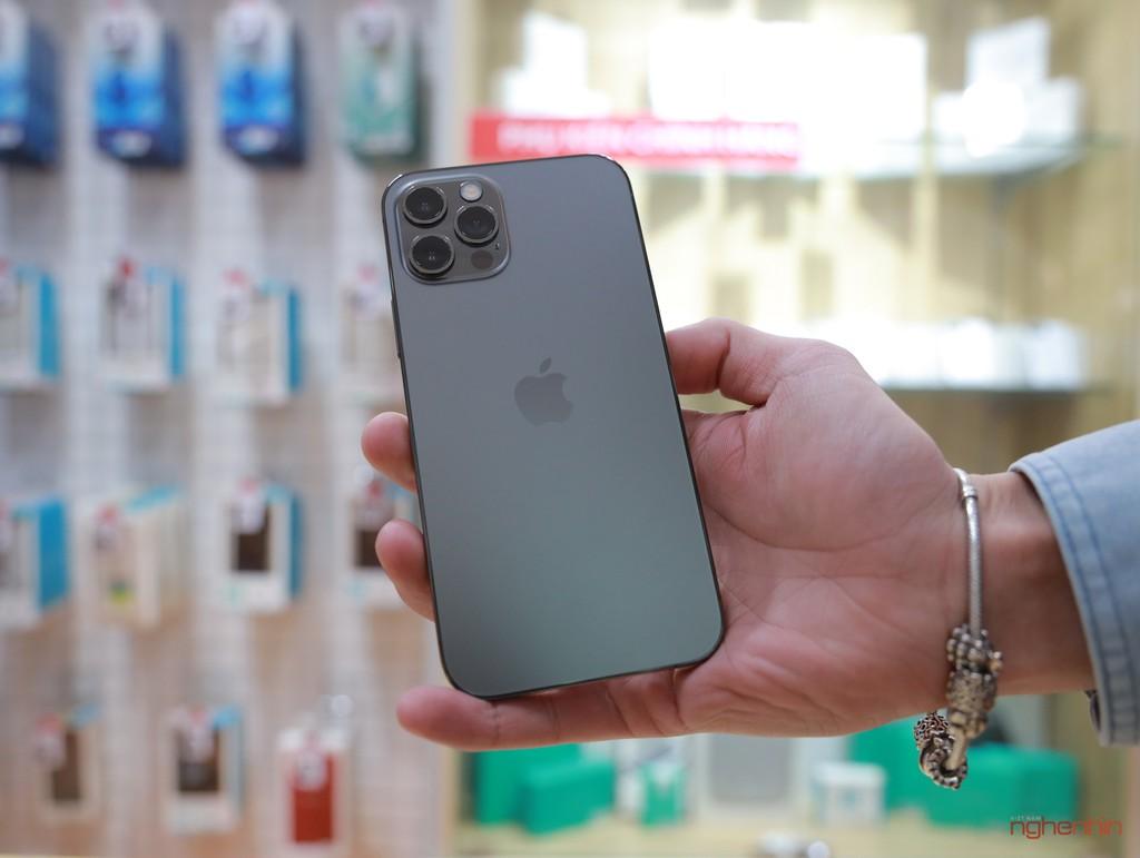 Trên tay iPhone 12 Pro đầu tiên tại Việt Nam giá 27,45 triệu  ảnh 6