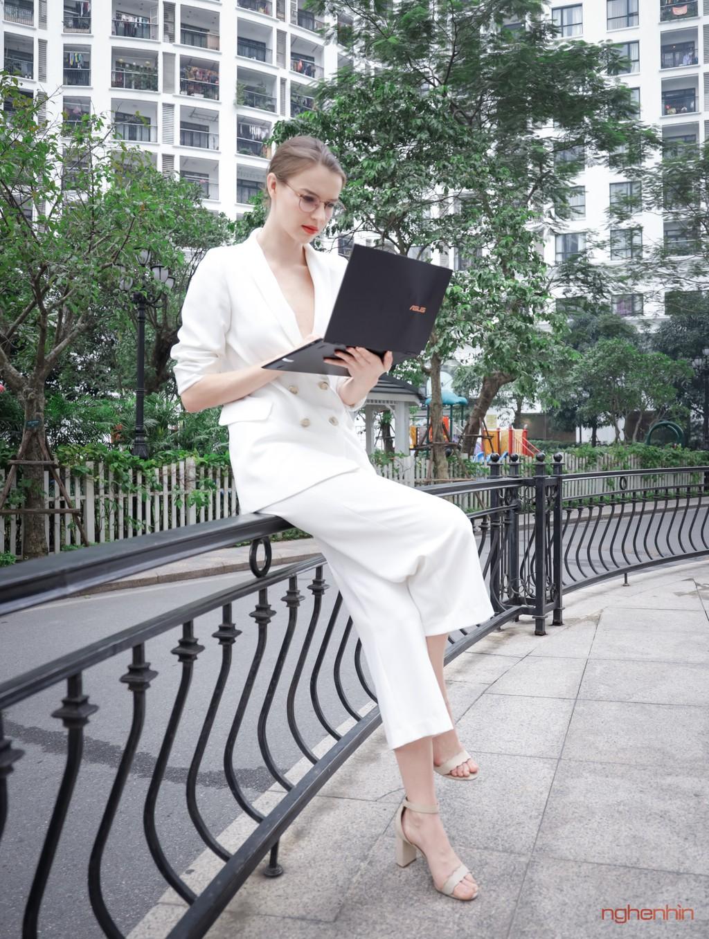 Trên tay Asus ZenBook Flip S : laptop 2 trong 1 cao cấp, mỏng nhất thế giới ảnh 2