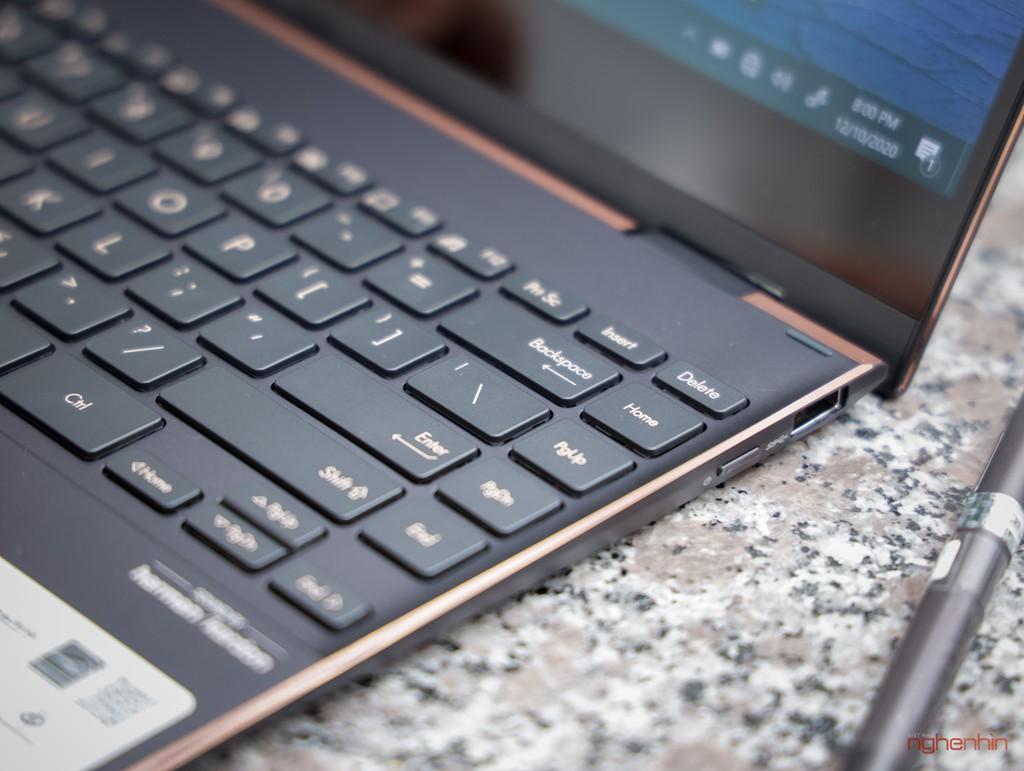 Trên tay Asus ZenBook Flip S : laptop 2 trong 1 cao cấp, mỏng nhất thế giới ảnh 7