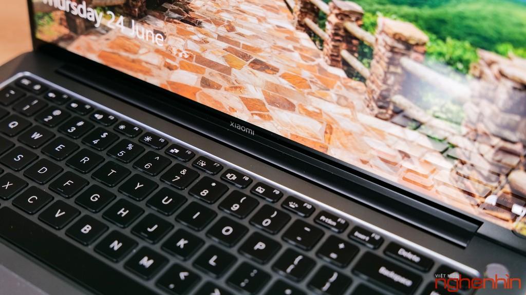 Trên tay Xiaomi Mi Notebook Pro 15: màn hình 3.5K ấn tượng, 'MacBook chạy Windows'? ảnh 14