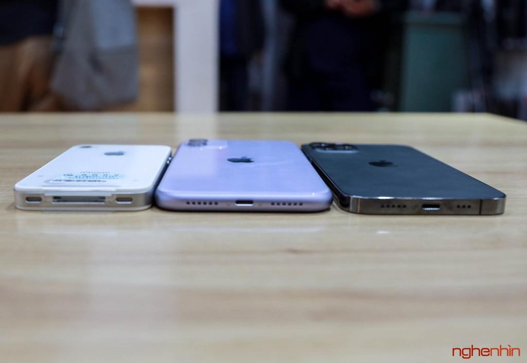 Ngoại hình iPhone 12 Pro khi đứng cạnh 'ông lão' iPhone 4S và đàn anh iPhone 11 ảnh 3