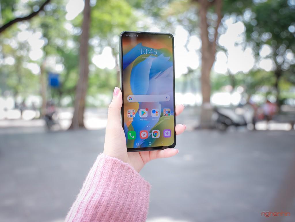 Trên tay Vsmart Aris Pro - điện thoại chính hãng camera ẩn đầu tiên tại Việt Nam giá 10 triệu ảnh 2