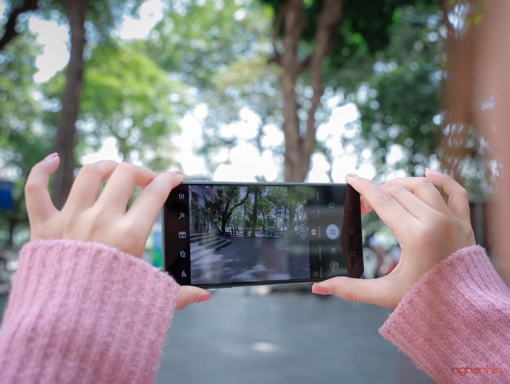 Trên tay Vsmart Aris Pro - điện thoại chính hãng camera ẩn đầu tiên tại Việt Nam giá 10 triệu ảnh 12