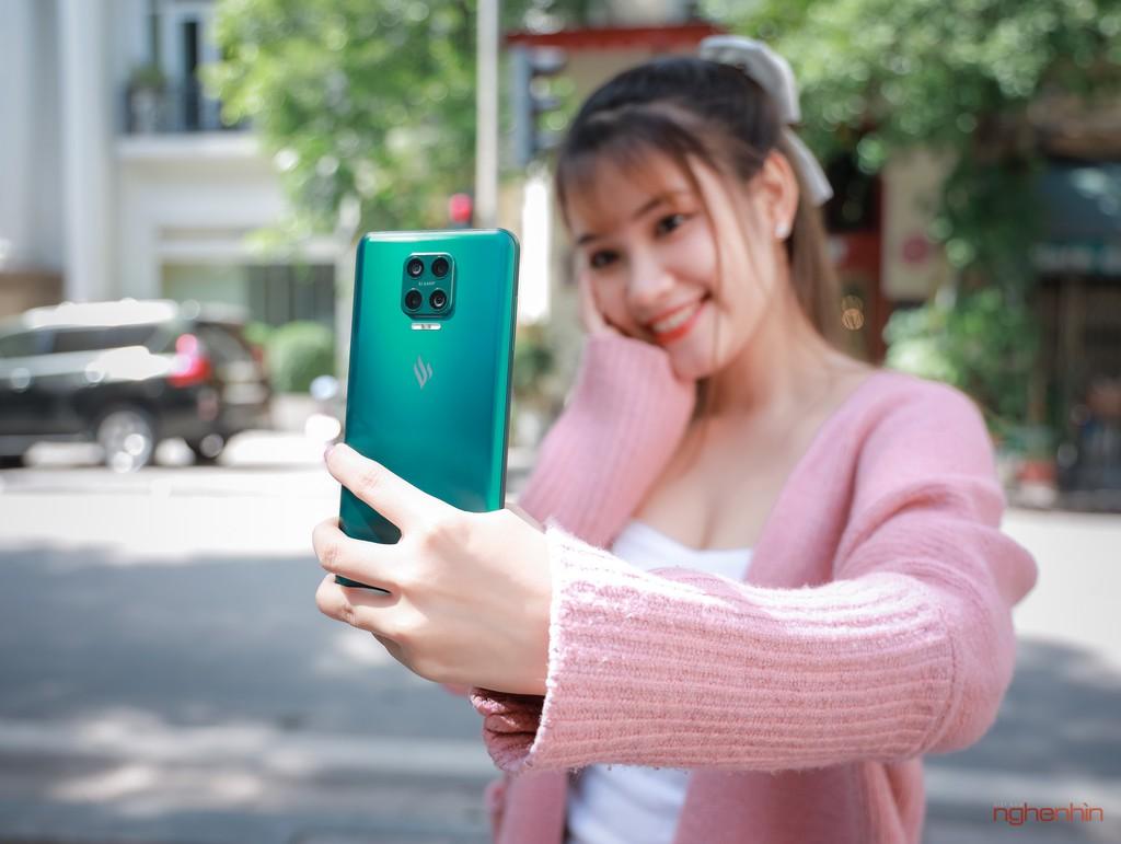 Trên tay Vsmart Aris Pro - điện thoại chính hãng camera ẩn đầu tiên tại Việt Nam giá 10 triệu ảnh 14