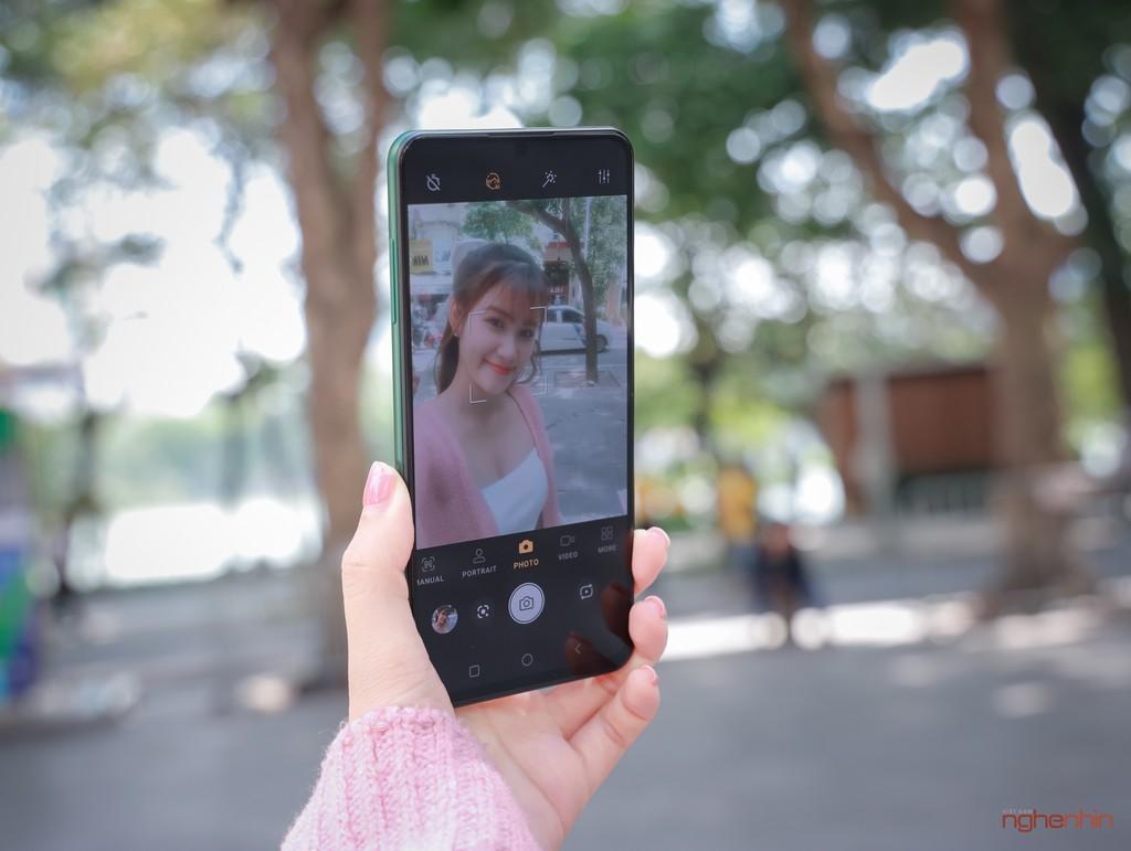 Trên tay Vsmart Aris Pro - điện thoại chính hãng camera ẩn đầu tiên tại Việt Nam giá 10 triệu ảnh 5