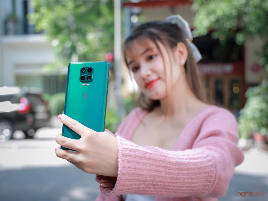 Trên tay Vsmart Aris Pro - điện thoại chính hãng camera ẩn đầu tiên tại Việt Nam giá 10 triệu ảnh 6
