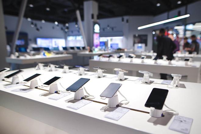 Galaxy Fold - hang doc nhung chua la ngong vang cua Samsung hinh anh 2