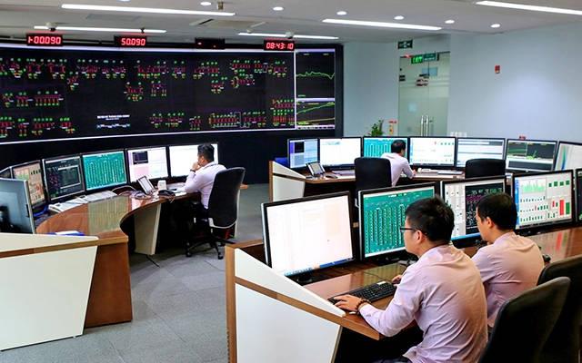 Theo tính toán của Trung tâm điều độ Hệ thống điện Quốc gia, khi đưa vào vận hành nhiều nhà máy điện Mặt trời sẽ đòi hỏi phải dự phòng công suất cao từ các nhà máy năng lượng truyền thống. Ảnh: Ngọc Hà