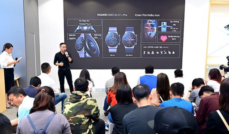 SmartWatch GT 2 Pro voi luong pin an tuong, gan 15 ngay-Hinh-2