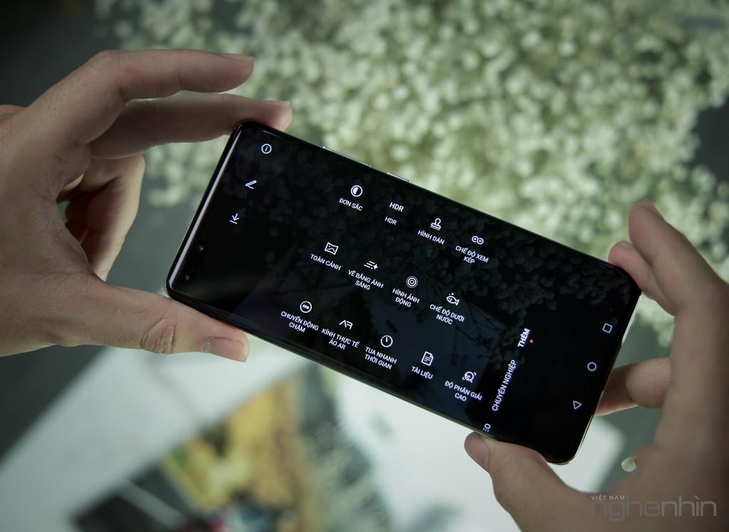 Cận cảnh Huawei P40 Pro tại Việt Nam phiên bản bạc băng giá: nhìn đã, sờ sướng ảnh 12