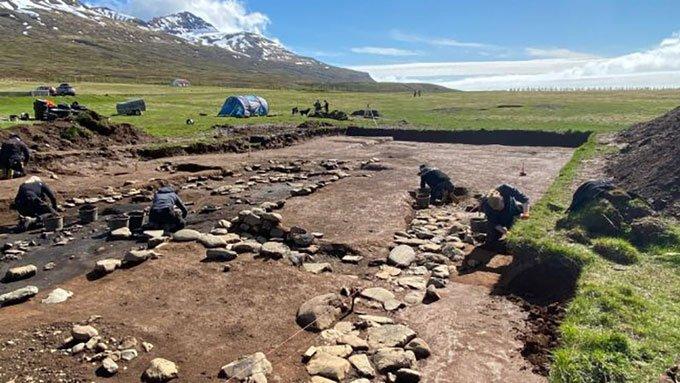 Tàn tích khu định cư lâu đời nhất của người Viking ở Iceland.