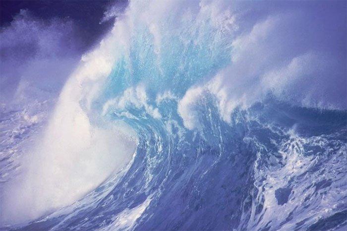 Biển xanh nổi giận