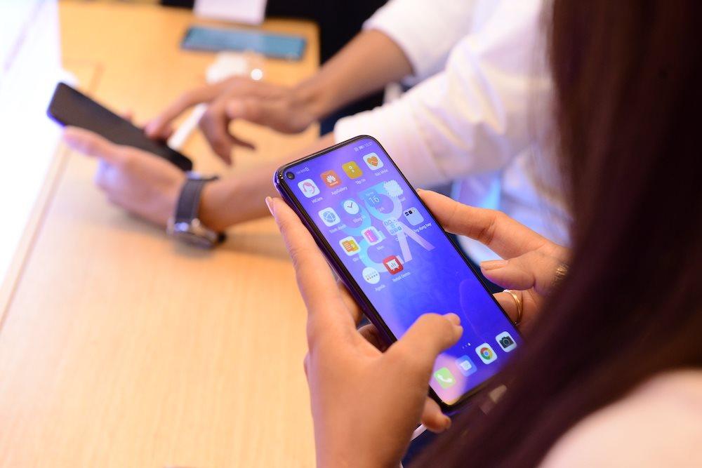 4 smartphone sạc nhanh nhất ở tầm giá 8-9 triệu đồng