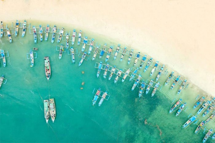 Bãi biển Ujung Genteng, Indonesia