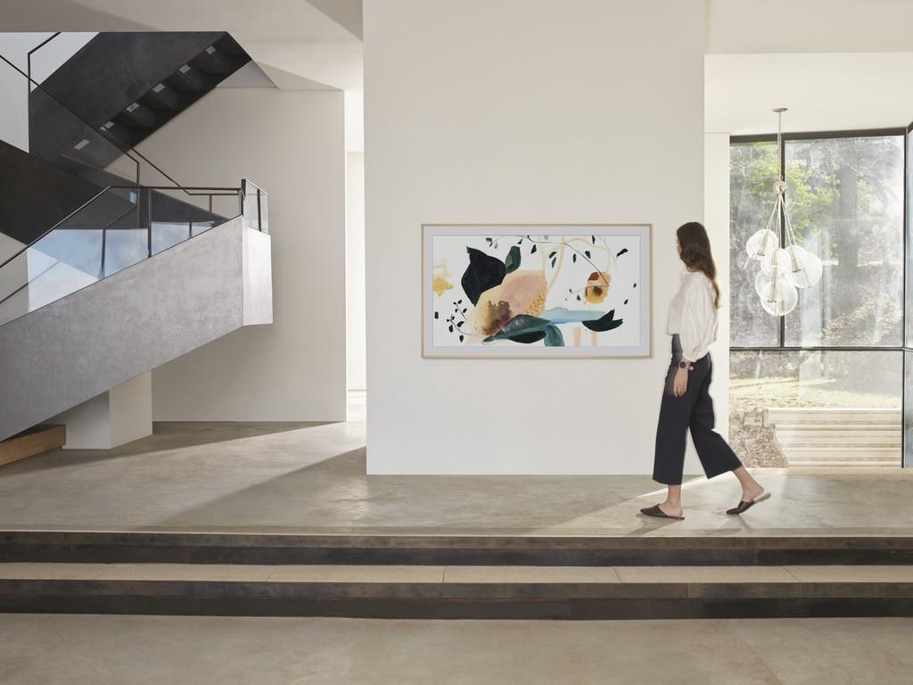 Samsung định hình phong cách sống thời thượng với TV The Frame, The Serif và The Sero ảnh 3