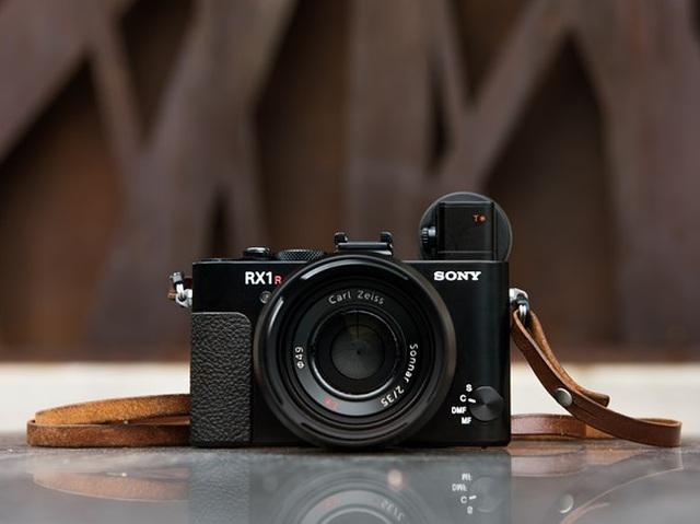 Top 10 máy ảnh chụp đẹp nhất thiếu vắng thương hiệu Canon - 11