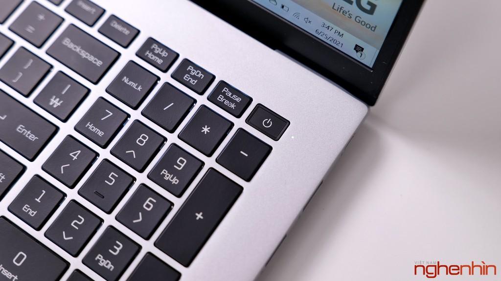 Đánh giá LG gram 17 2021: quyết định sáng suốt của dân văn phòng ảnh 8