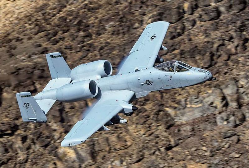 Lợn chiến A-10 hơn 40 tuổi của không quân Mỹ chưa chịu ngừng bay