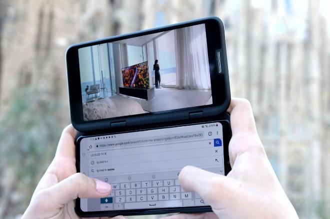 lg phan don samsung va huawei bang loat smartphone khung hinh anh 2