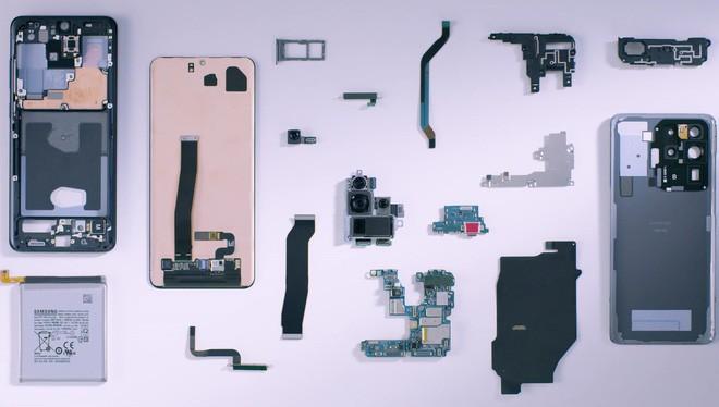 Mổ bụng Galaxy S20 Ultra: Có gì bên trong flagship mới nhất của Samsung? - Ảnh 1.