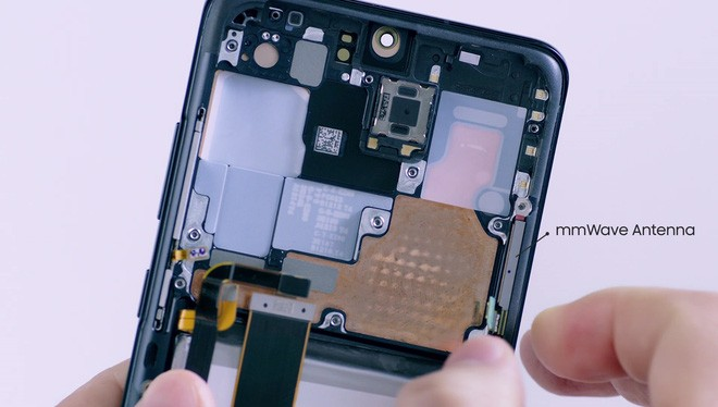 Mổ bụng Galaxy S20 Ultra: Có gì bên trong flagship mới nhất của Samsung? - Ảnh 7.