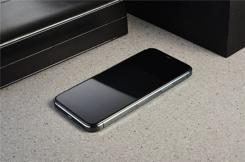 iPhone 12 sieu to khong lo xuat hien bang xuong bang thit-Hinh-5