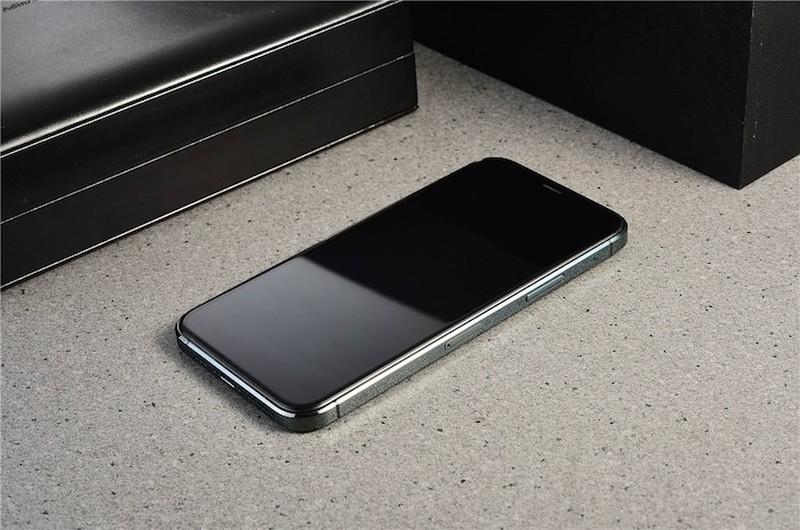 iPhone 12 sieu to khong lo xuat hien bang xuong bang thit-Hinh-6